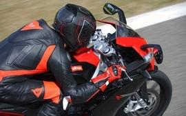 Aprilia motorbikes 12 wallpaper