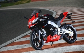Aprilia motorbikes 14 wallpaper