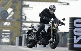 Aprilia motorbikes 29 wallpaper
