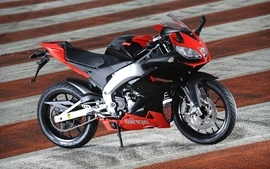 Aprilia motorbikes 36 wallpaper