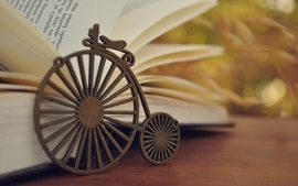 Books macro wallpaper