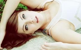 Brunettes women models piercings lying down sarah vasquez wallpaper