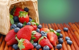 Nature strawberries baskets berries blueberries wallpaper
