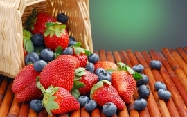 Strawberries baskets blueberries wallpaper