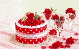 Strawberries cakes wallpaper