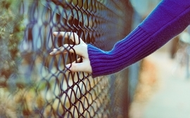 Women hdr photography chain link fence wallpaper