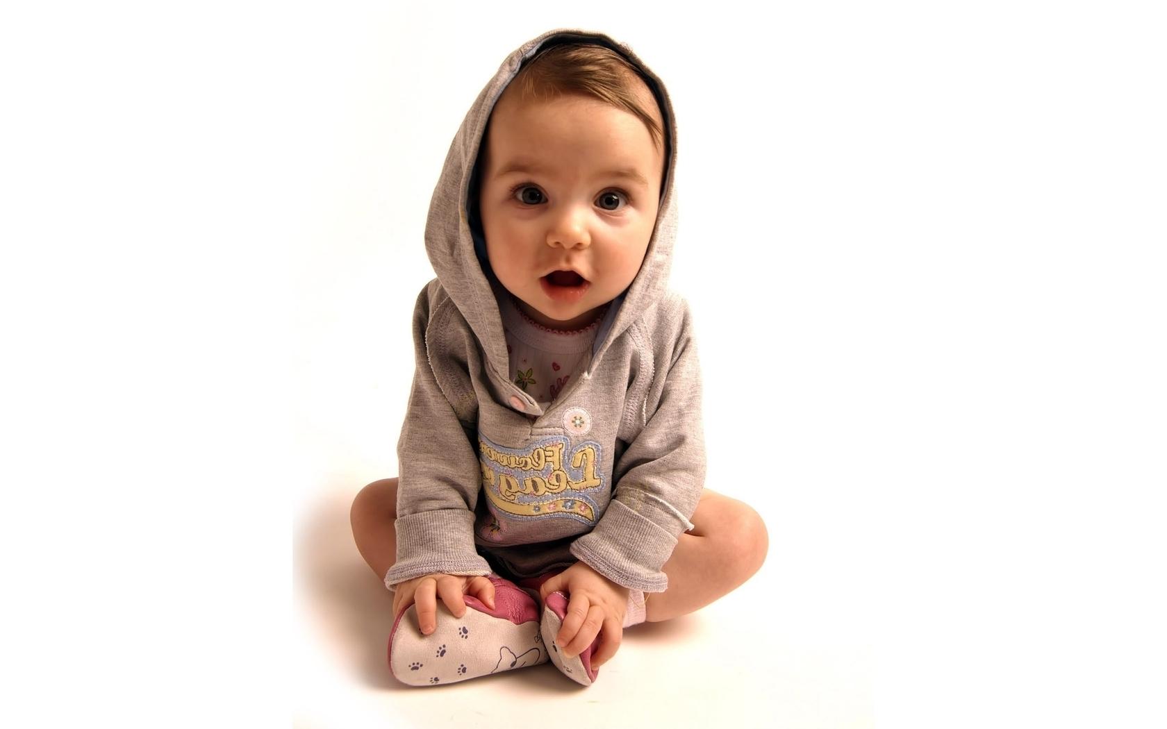 Фото маленького ребенка на рабочий стол