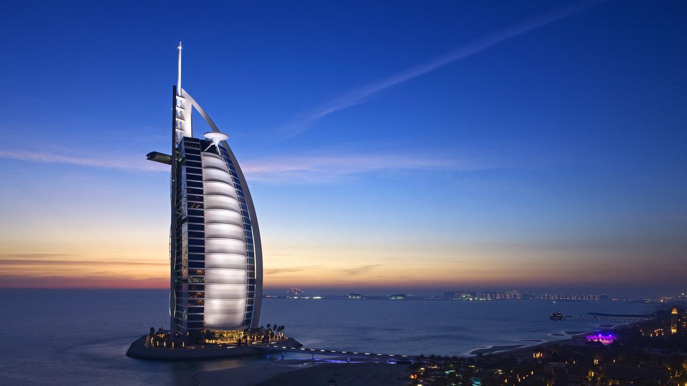 Burj Al Arab 4K 5K (1366x768)
