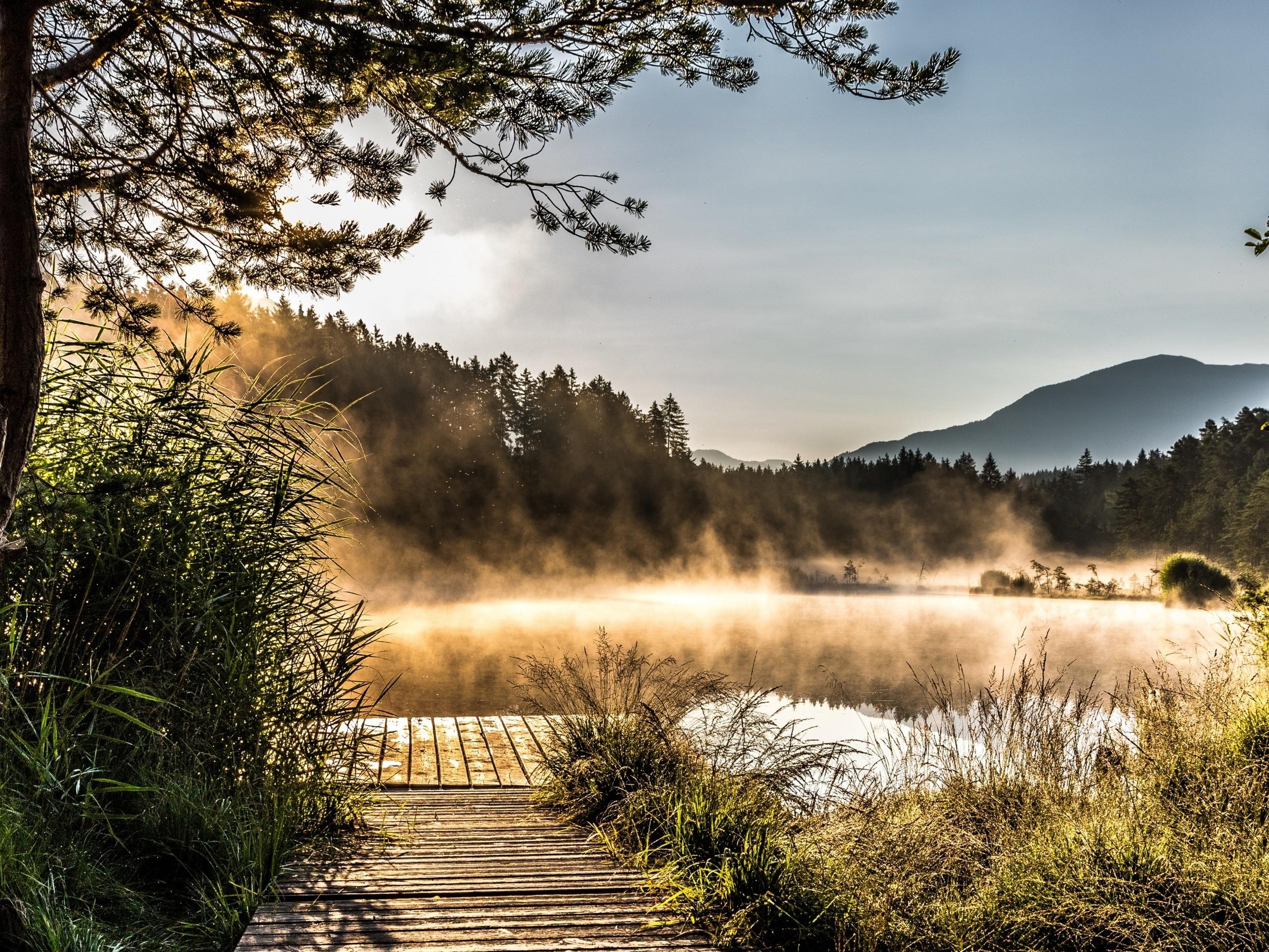 Egelsee Lake in Carinthia (2560x1920)