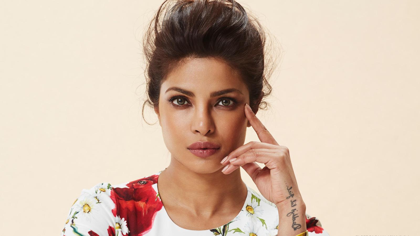 Priyanka Chopra 2016 Actress (1600x900)