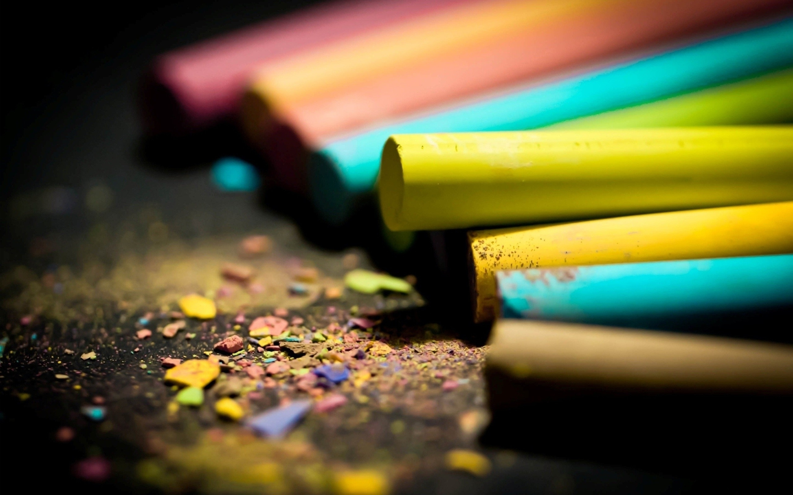 the life of a color crayon Life is like a box of crayons (back-to-school) the blue crayon moved to the next crayon hello i just met yellow what color are you.